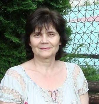 Анелия Николова
